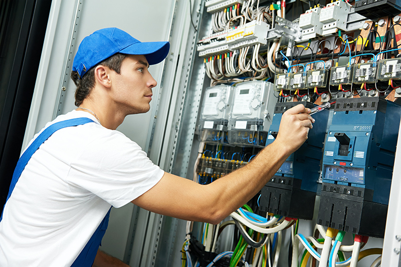 Domestic Electrician in Reading Berkshire