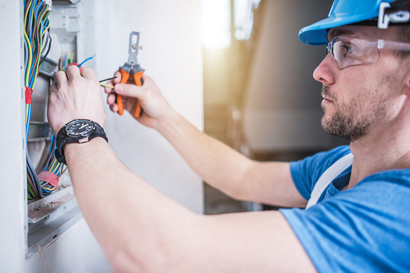 Electrician Qualifications in Reading Berkshire